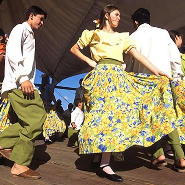 Grupo  Mestre Brasílio anima baile de Fandango neste sábado, 12